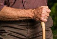 Invalidných dôchodcov je stále viac